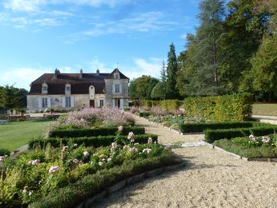 Photo for beautiful seventeenth chartreuse, all comfort, fenced pool, near Bergerac