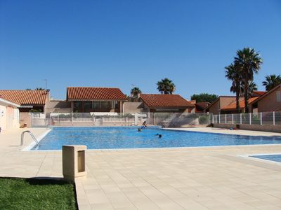 Photo for Apartment with pool and tennis 300 m from the sandy beach
