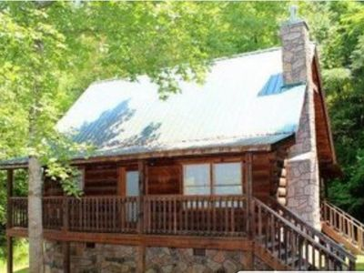 Photo for Great Romantic Getaway semi secluded w/ private Hot tub 2.9 miles from Strip
