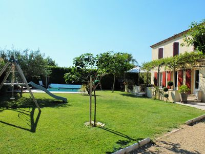 Photo for Provencal villa with pool between Avignon and St Remy de Provence