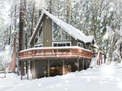 Photo for Cozy Cabin in the Pines! Loft, Private Court/Blue Lake Springs access! Wifi
