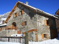 Excellent skiing and very comfortable chalet.