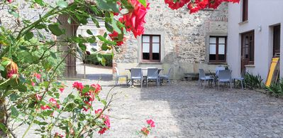 Photo for Cottage, 2 bedrooms, in the grounds of an 18th century chateau