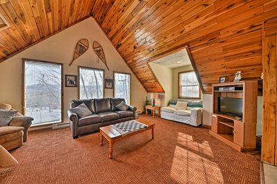 Walk into this cozy Ghent cabin and ski out of it for a day on the slopes!