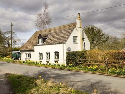 Photo for OLD PIKE COTTAGE, pet friendly in Pleasant Stile, Ref 928656