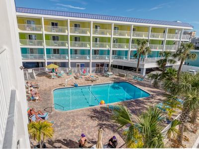 Pelican Pointe Condo/Hotel Unit #413 Affordable Efficiency in the Heart of Clearwater Beach!