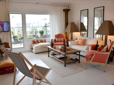 Photo for Luxury 2BR with Terrace & View of Eiffel Tower