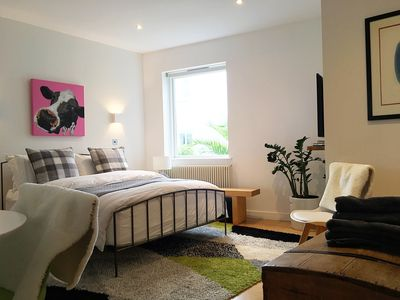 Photo for Brand NEW Luxury Private Studio! Zone1 N1: Central London, De Beauvoir
