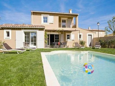 Photo for Residence Le Clos Savornin, St. Saturnin-lès-Apt  in Vaucluse - 8 persons, 4 bedrooms