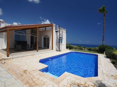 Photo for Incredible three bedroom villa overlooking the sea.