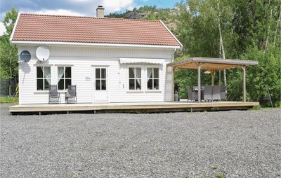 Photo for 4BR House Vacation Rental in Lyngdal