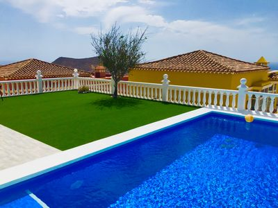 Photo for House with pool and sea view