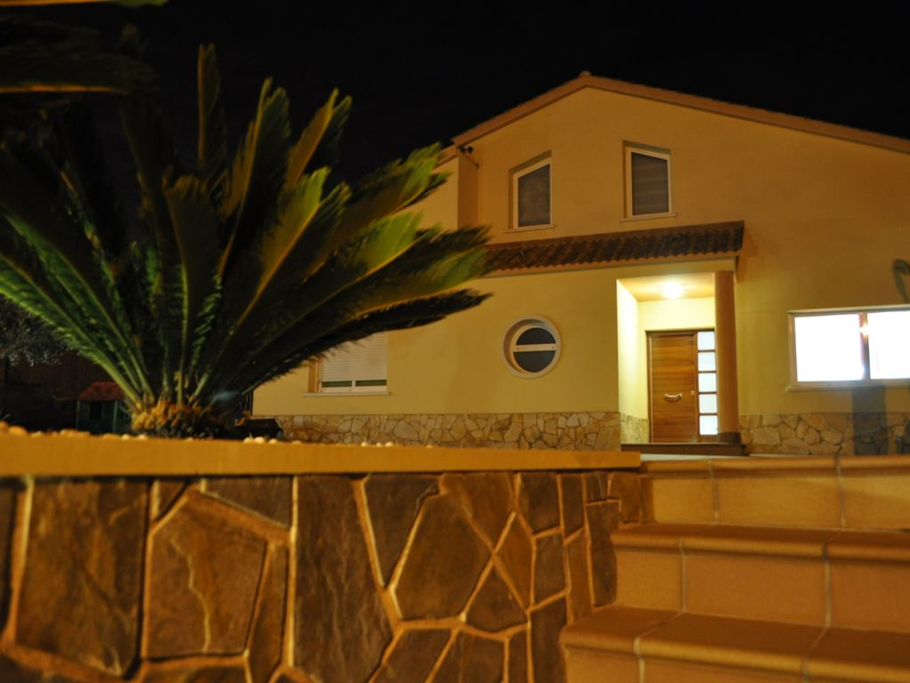 Wonderful 4 Bedrooms holiday villa rental near Sitges with Private ...