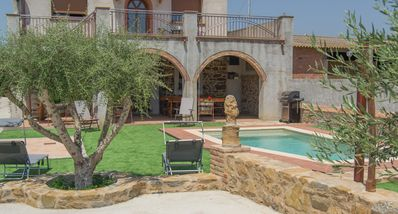 Photo for RURAL HOUSE WITH POOL IN GUALTA (BAIX EMPORDÀ, GIRONA)