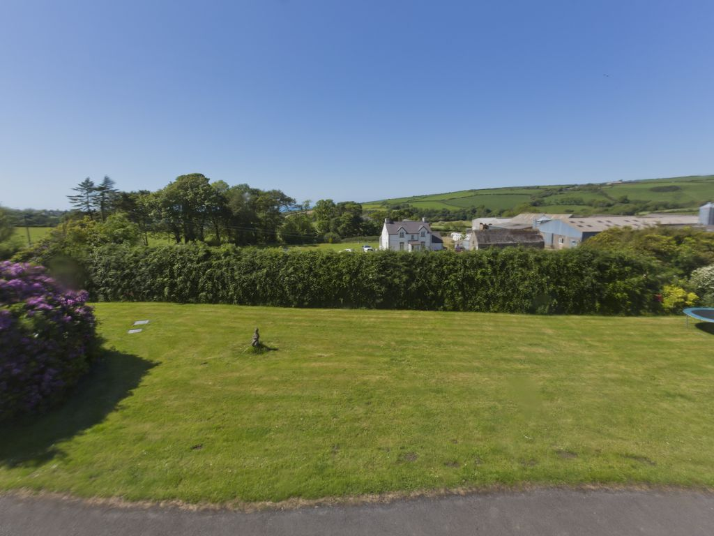 Self Catering, Large Group Accommodation, Huge Private Gardens, Sea ...