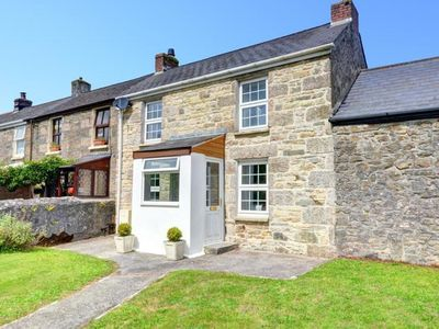 Photo for Cosy holiday home in Camborne with green garden, near the coast