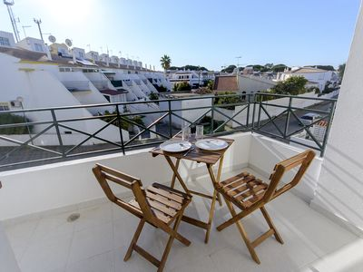 Photo for 1 bedroom apartment with terrace and BBQ, 800m from the beach