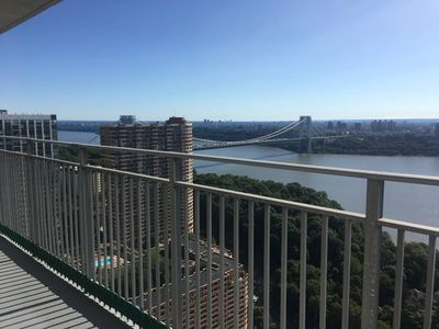 Photo for Exquisite 2 Bedroom Apt. Minutes from Manhattan