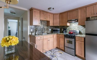 Photo for 1 Mile to Downtown San Diego Gaslamp!  Designer Apartment!