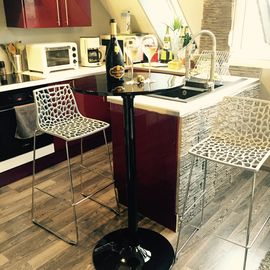 ****hyper-center Epernay Penthouse (43sm) 1bd Apartment w/ elevator,washer