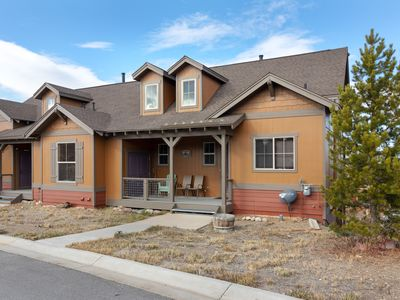 Photo for Beautiful Peakview Townhome in Granby Ranch sleeps 4-10