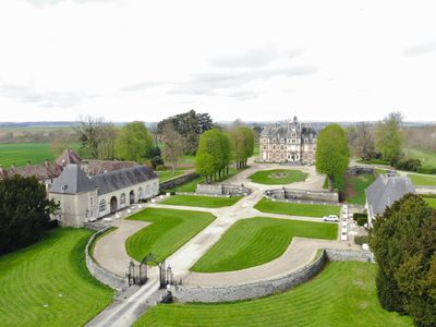 Photo for Apartment in the east tower of a castle, swimming pool