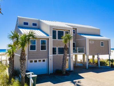 Photo for Gulf Front Home, walking distance to shops and dining. Great for families!