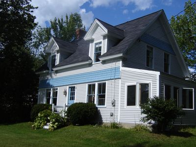 Stylishly updated waterview cottage near Penobscot Bay and Blue Hill sleeps 5