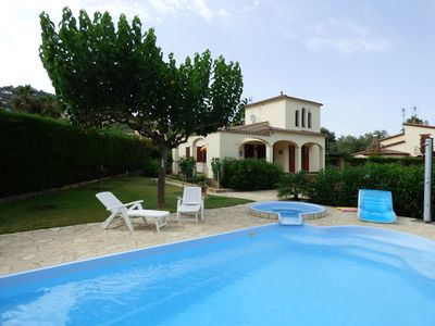 Photo for Beatiful Catalan villa with pool, jacussi, free wifi, close to beach and 1h BCN.