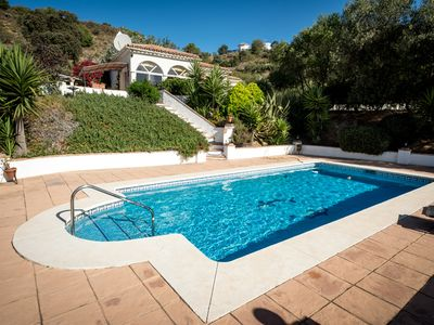 Photo for Holiday Villa with Swimming Pool, Almogia
