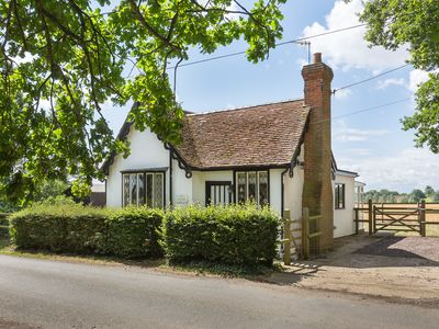 Photo for South Lodge historic self-catering detached cottage with garden, parking & pets