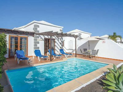 Photo for Villa w/fine finishing, a pool & BBQ, a short drive from amenities