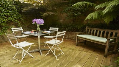 Beautiful private garden patio tucked away in the heart of Chelsea