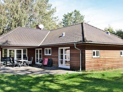 Photo for Modern Holiday Home in Store Fuglede with Garden