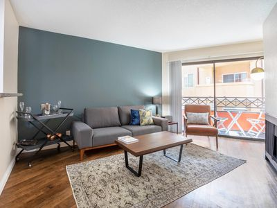 Photo for West LA 1BR next to Sawtelle restaurants and Santa Monica and Westwood