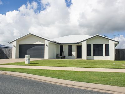 Photo for 4BR House Vacation Rental in Ooralea, QLD