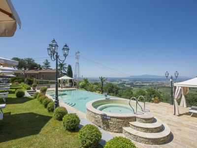 Photo for Alberghi Apartment, Sleeps 5 with Pool, Air Con and Free WiFi