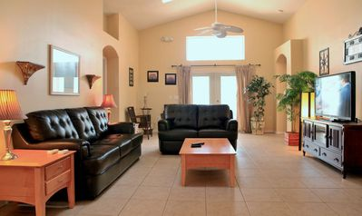 Spacious living room with new 50' HD TV, new furniture. Free Internet/Wi-Fi.