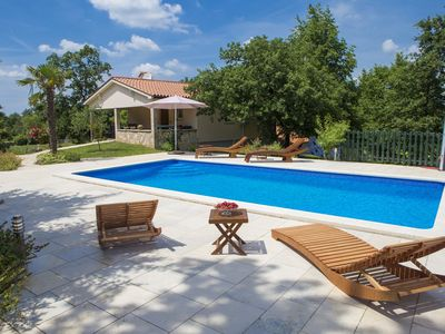 Photo for Beautifull villa for 8 people,  with pool in quiet surroundings