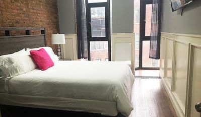 Photo for TREMENDOUS 4Br/1Ba in the HEART of NYC (Sleeps 10 in 5 Queen Sized Beds!!!)