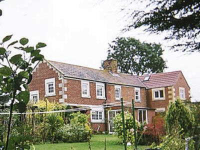 Photo for 3 bedroom accommodation in Sells Green, Seend