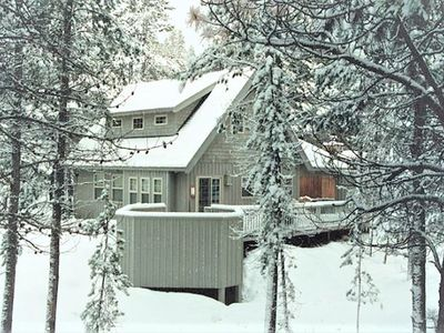 Photo for Pet Friendly, NEW Hot Tub, Free Ski Shuttle SHARC PASSES INCLUDED!