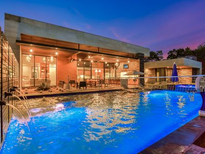 Photo for ARRIVE PINNACLE ESTATE | Up to 11 Beds | Casita | 5 Mi to ATX | Pool/Spa