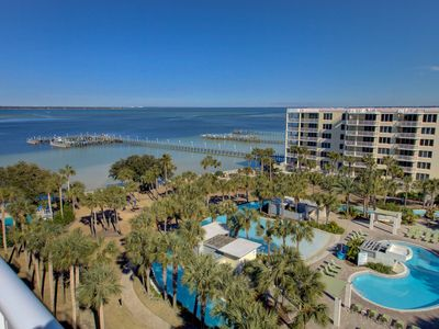 Photo for Destin West 3BR End-Unit Penthouse! Rooftop Hot Tub!  Dock for your Boat!