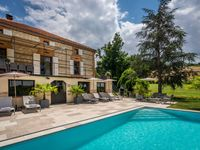Fantastic house and friendly owners in a lovely rural part of France.