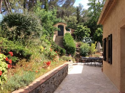 Photo for Ground floor apartment in villa near Cannes