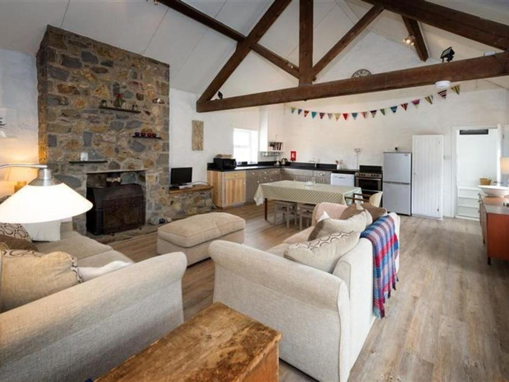 beacons in to rent brecon cottage mid cottages wales rental