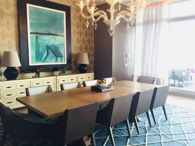 Dining room seating for 10.