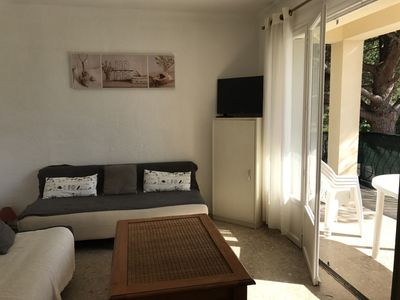 Photo for 3-room apartment with terrace (south), small residence near the beach