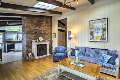 With 1,500 square feet of living space, 8 can vacation here!